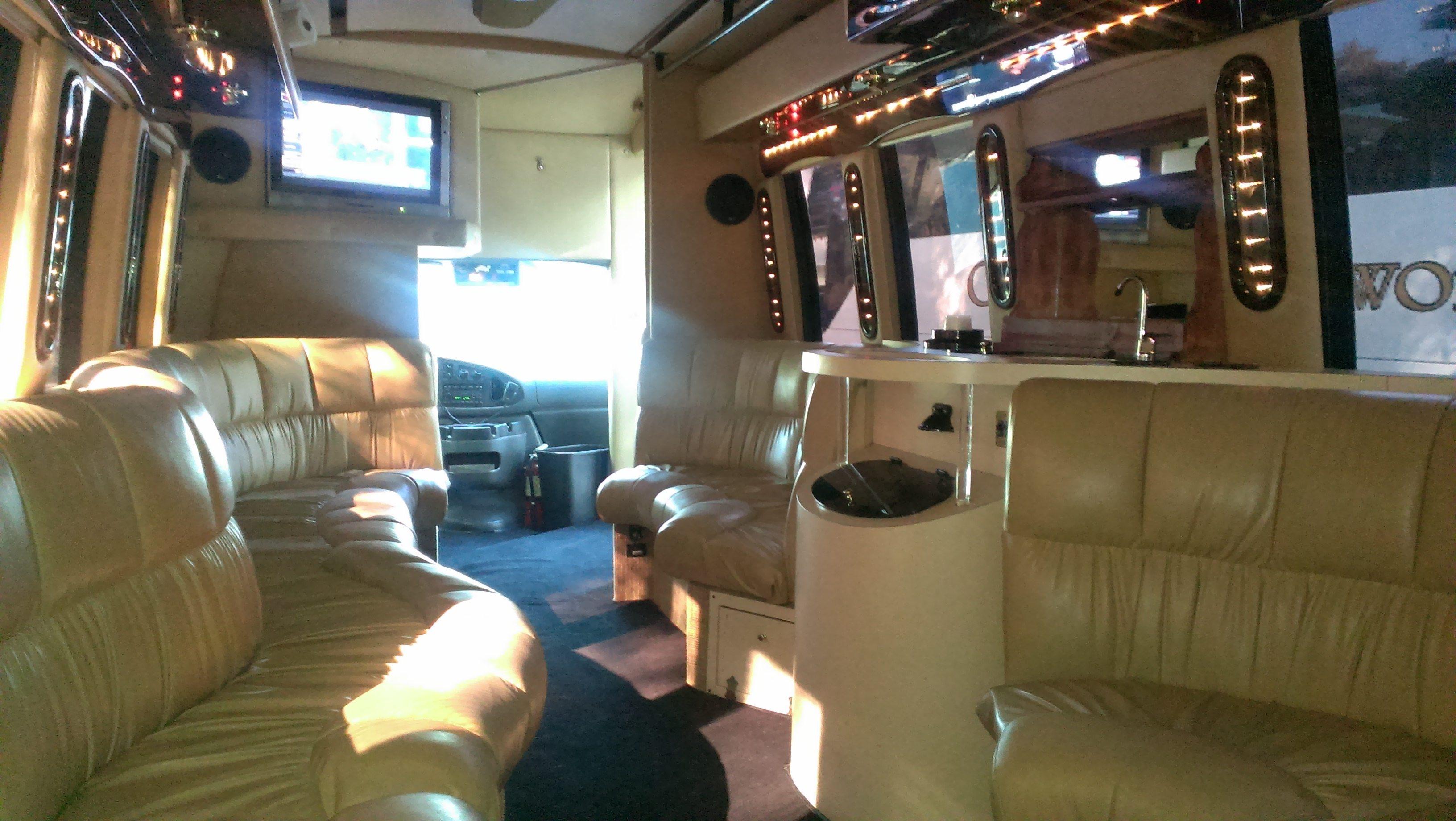 Limo Bus 3